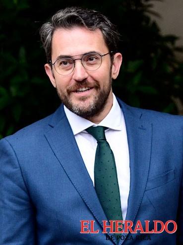 Cae ministro español de Cultura por escándalo fiscal