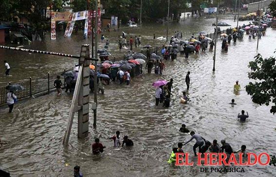 Al menos 23 muertos por monzón en India