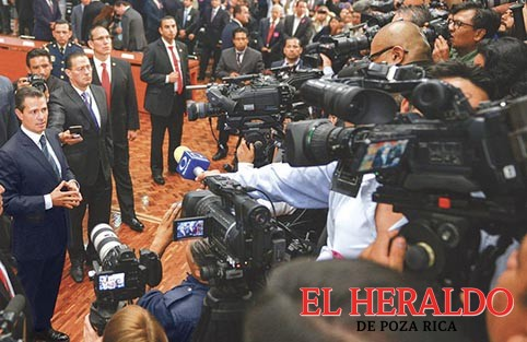EPN anuncia medidas de protección a periodistas