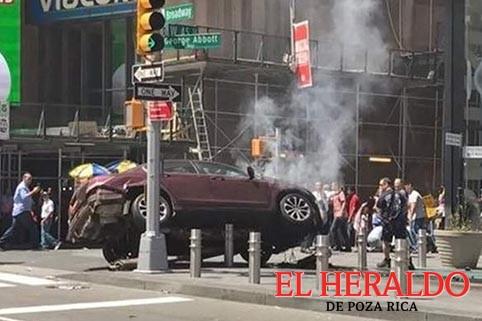 Latino arrollar a multitud en Times Square