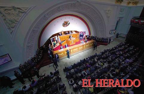 Maduro le declara la guerra a la Asamblea Nacional