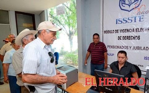 Trabajadores del ISSSTE podrían pensionarse a los 55 años: Corte