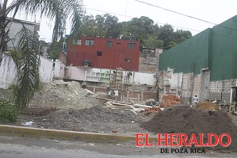 Constructora afecta a vecinos