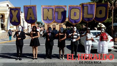 Con el Xantolo cobran vida las calles de Papantla