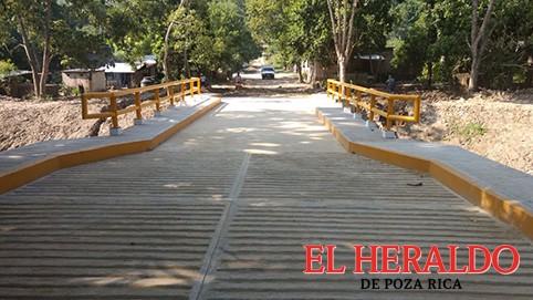 Inauguración puente vehicular en Rafael Valenzuela