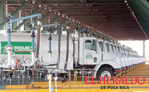Transporte terrestre de Pemex en riesgo de desaparecer