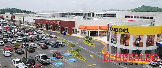 Cierran locales en Plazas comerciales