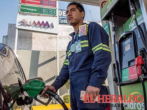 Ajustan precio de gasolinas