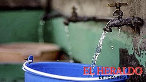 Demandan agua potable