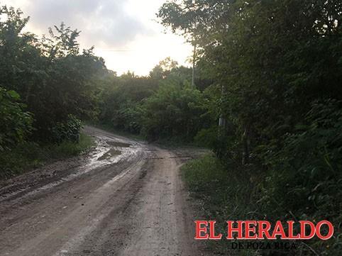 Cierran camino en Cerro del Carbón