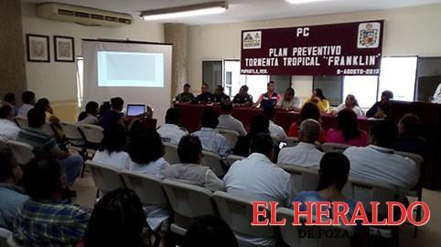 Abandona Marcos Romero a las comunidades