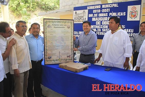 Inaugura Alcalde domo en primaria bilingüe