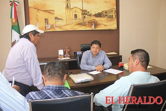 Atiende Alcalde peticiones ciudadanas