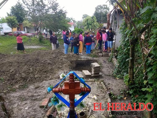 Impiden sepultar a un difunto