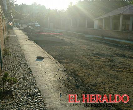Destrozan calle a vecinos de la ampliación Zapata