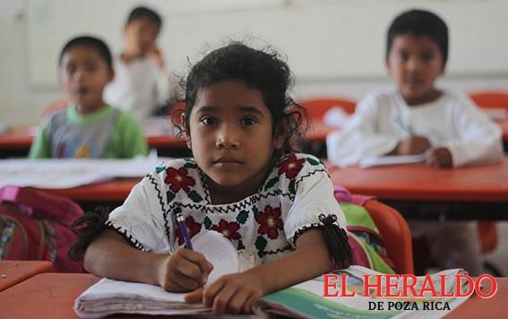 Benefician a Escuelas de Educación Indígena
