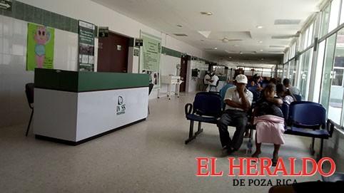 Cancela residencias médicas en el IMSS