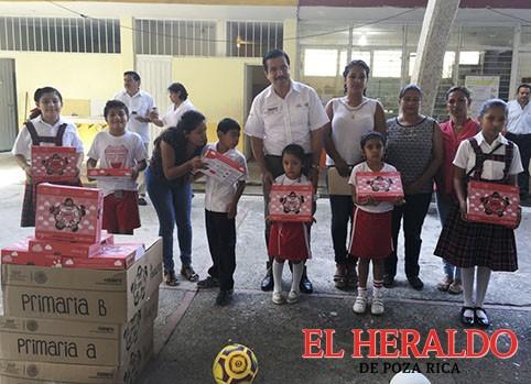Conafe ha entregado 38 mil paquetes escolares