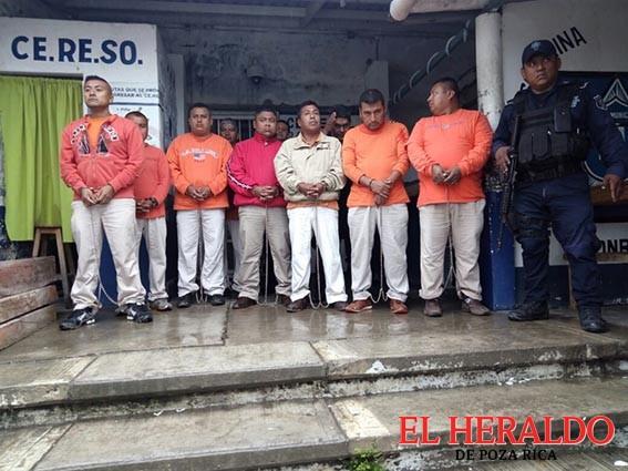 Dan 30 años de cárcel a expolicías municipales de Papantla