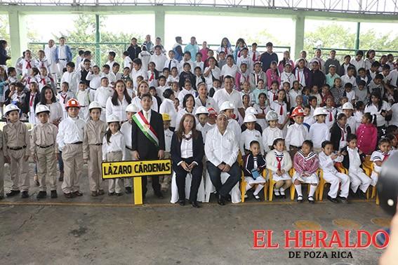 Realizan Acto Cívico en la María Enriqueta