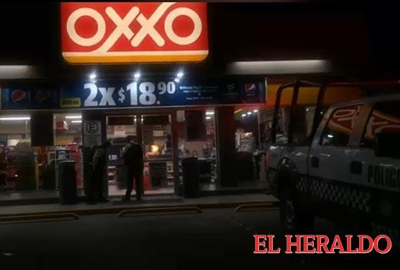 Frustran asalto a Oxxo
