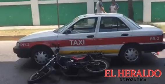 Taxista provocó un aparatoso choque