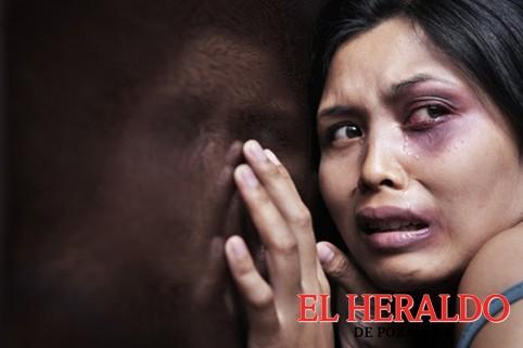 Abatir violencia hacia la mujer, tarea de todos: QC