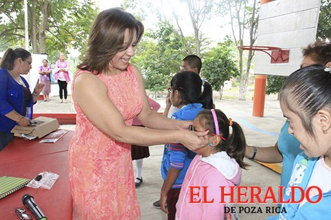 Invita DIF Poza Rica a jornada visual para niños