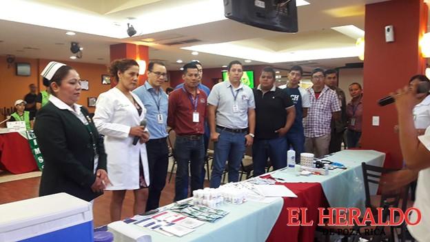 Acerca IMSS servicios a empresas de la región