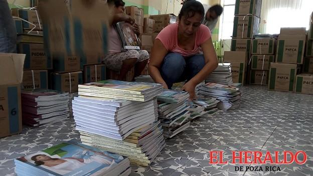 Esperan más de 30 mil libros