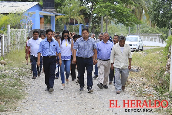 Apoya Mariano Romero a Zapotal Santa Cruz