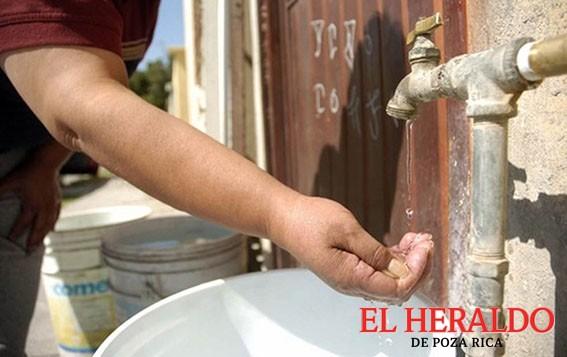 Carecen de agua 5 mil familias