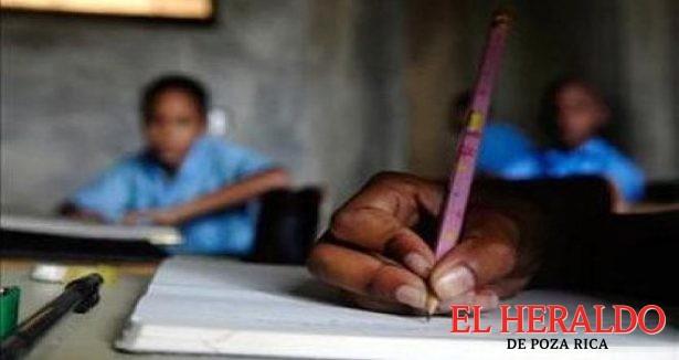 Poza Rica y Tihuatlán con el mayor rezago educativo