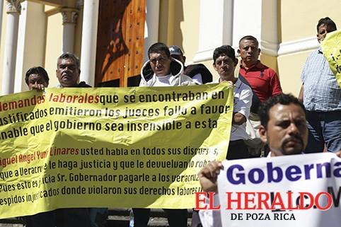 Protestan ex-policías y exigen su liquidación