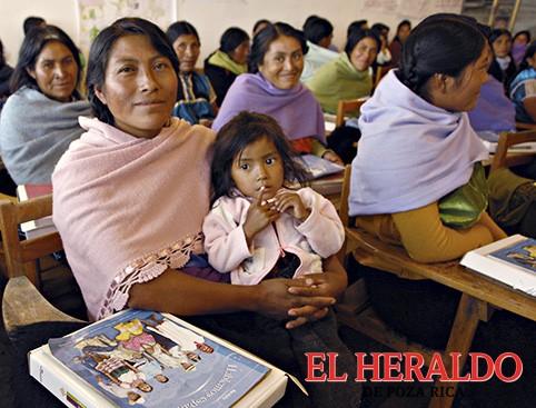Elaboración de materiales educativos en náhuatl y totonaco