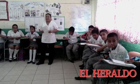 Alumnos indígenas en la Semana del Adolescente
