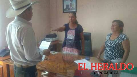 Alcaldesa suplente asume presidencia de Coxquihui