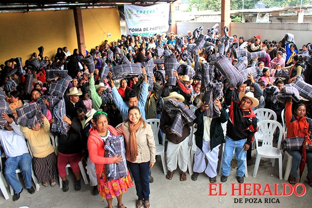 Apoya EDECOM Coyutla en todos sus proyectos a Lupita Meza