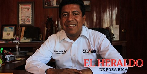 Alcalde de Cazones denunciado por ediles