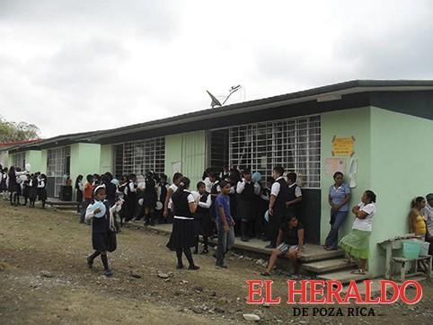 "Buscan ""Escuelas de Excelencia"""