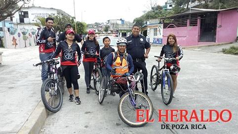 Ciclista discapacitado concientiza a la población