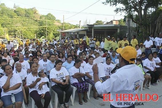 Tihuatecos respaldan Goyo Gómez