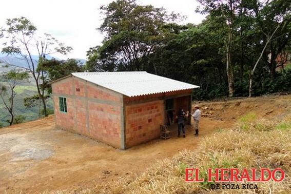 Campesinos demandan viviendas