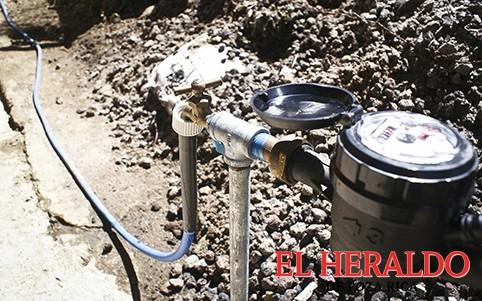 Eliminan tomas clandestinas de agua