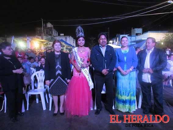 Disfruta alcaldesa del Festival del Coco 2016