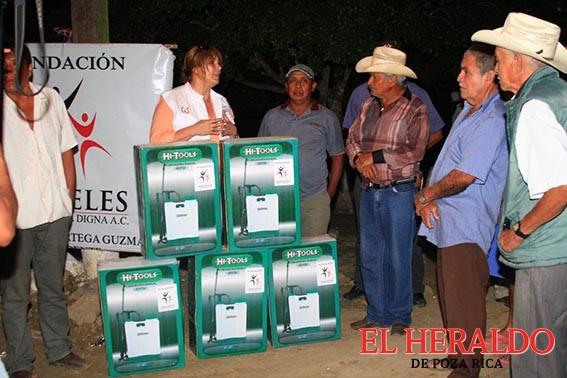 """Lleva """"Ángeles por una vida digna"""" apoyo a campesinos"""