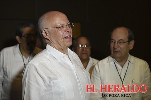 Federación no olvida desvío de recursos: Narro