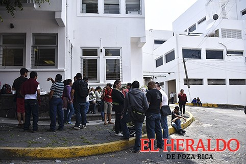 Despedirán a mil 400 empleados de limpieza en hospitales: CATEM