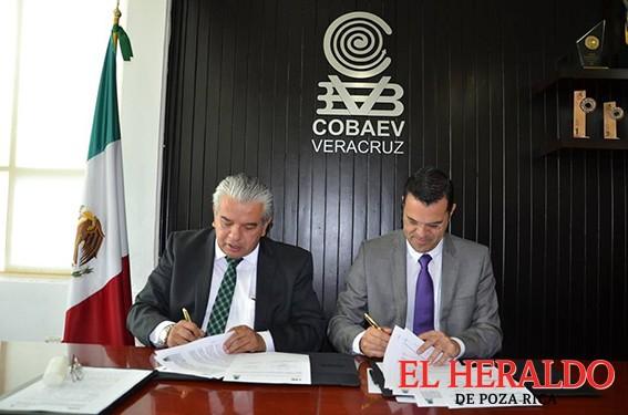 Firman Cobaev e INE convenio de colaboración institucional