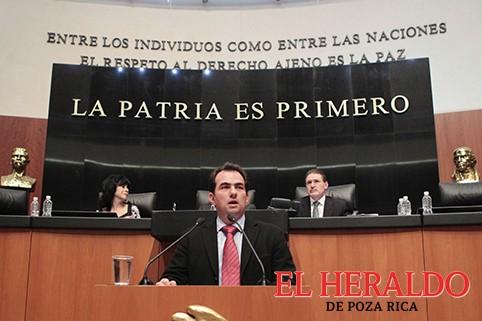 Pepe Yunes solicitó licencia al senado